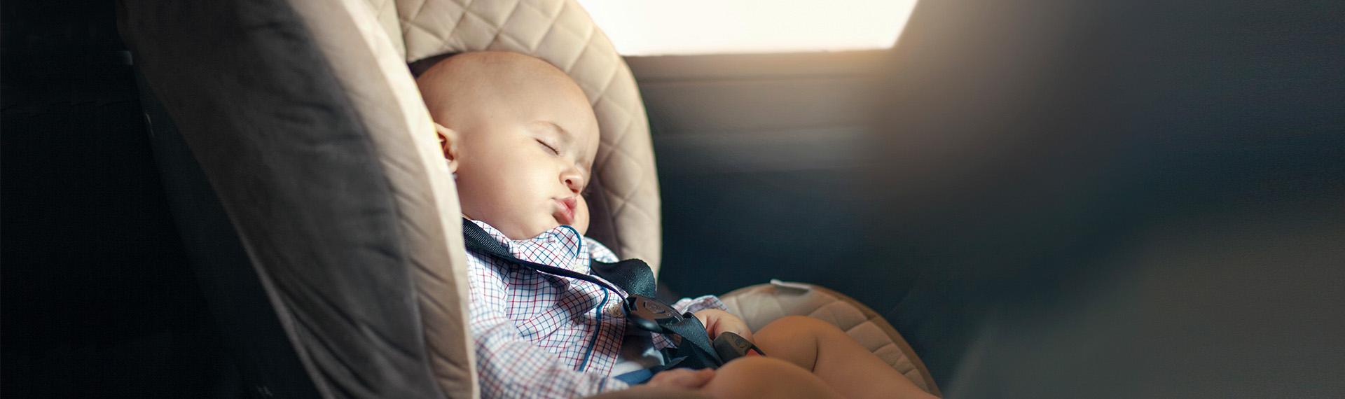 Schlafendes Kleinkind Auto